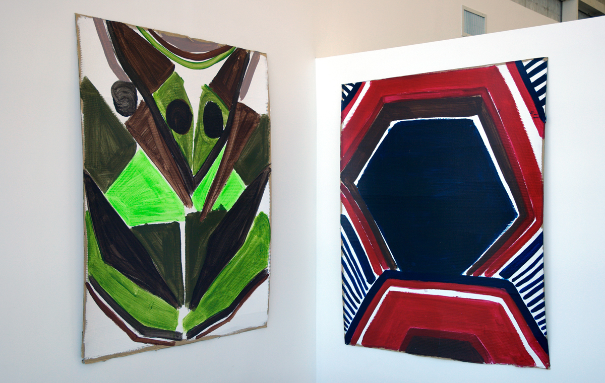 Diamond Hand Grenade, installation view. Left and right: Katherine Bernhardt.